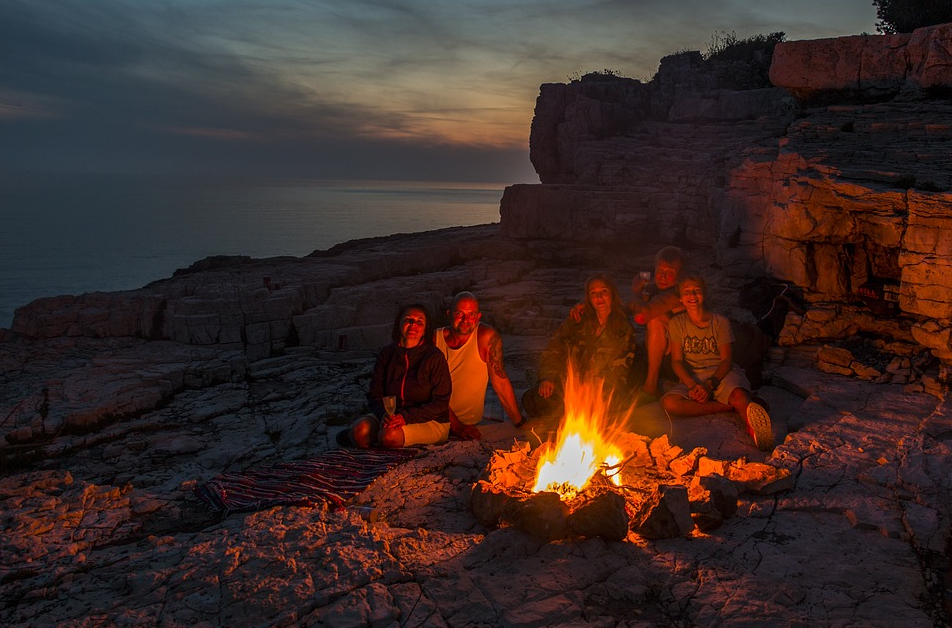 Clubhouse And Legal Marketing – A Campfire Combination